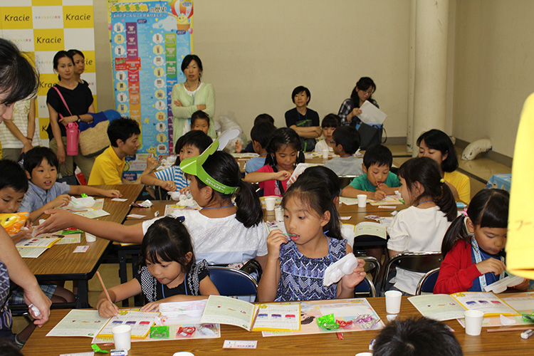 クラシエホールディングス「知育菓子教室(R)」